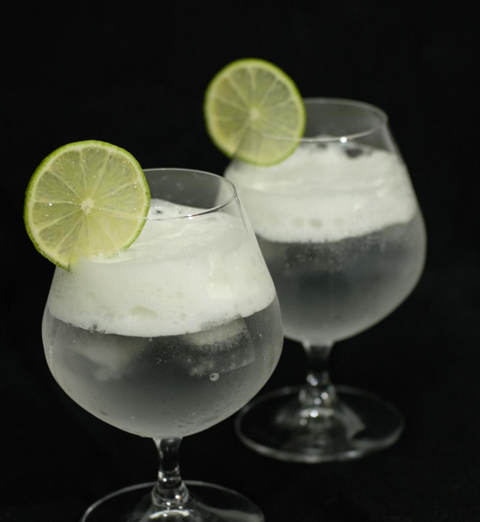 Gin-Tonic-Lime-Espuma
